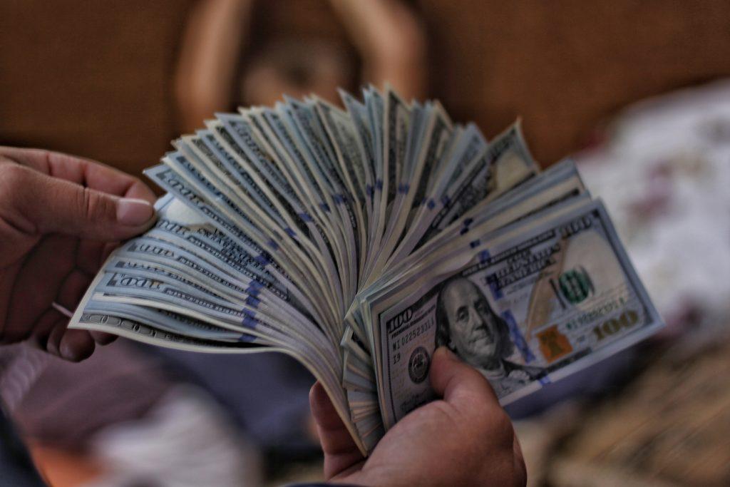 L'attribut alt de cette image est vide, son nom de fichier est Money4-1024x683.jpg.